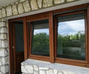 Pvc balkonska vrata i prozor-boja drveta
